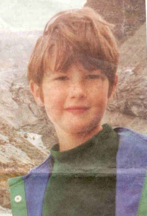Un enfant meurt sept personnes revivent for Fenetre volante